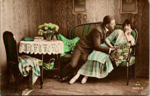 Vtg Carte Postale 1910s Njc Pub Cppr Main Teinté Romance Courting Homme & Femme