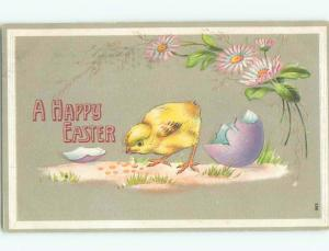 Pre-Linen easter CHICK LOOKING AROUND BY CRACKED EGG k2753