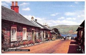 Luss Village Houses Street Maisons Loch Lomond