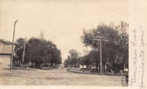 Royalton Wisconsin~Dirt Road~Homes~Look Familiar?~Vacation Here Next~1907 RPPC