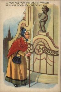 Bathroom Humor Manneken-Pis Peeing Statue & Amused Tourists Postcard #2