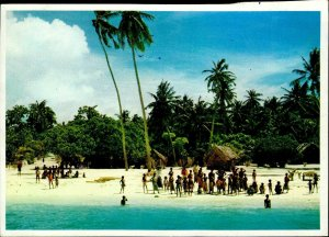 JD0014 maldives islands atoll arabian sea indian ocean village types ethnics