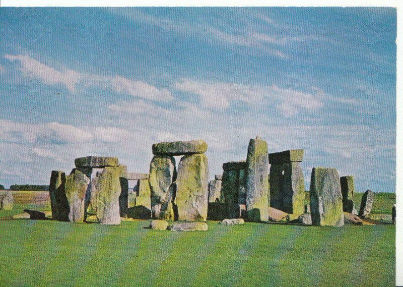 Wiltshire Postcard - Stonehenge - Salisbury - From The South-West - Ref 658A