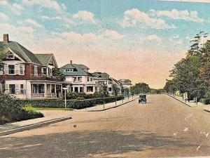 Postcard  Early View of West Elm Street in Brockton, MA      W3