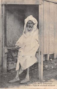 B84773 morocco  rabat type de vieillard marocain  folklore types beggars africa