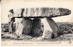 Le Dolmen de Rostudel, Cap de la Chevre (Finistere)