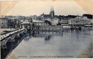 CPA BAYONNE - Le Pont St-Esprit la Porte de France et la Cathedrale (162906)