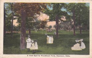 SHAWNEE, Oklahoma, PU-1915; A Cool Spot in Woodland Park