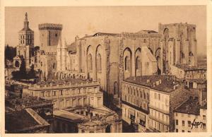 BT14425 La palais des Papes Avignon           France 1