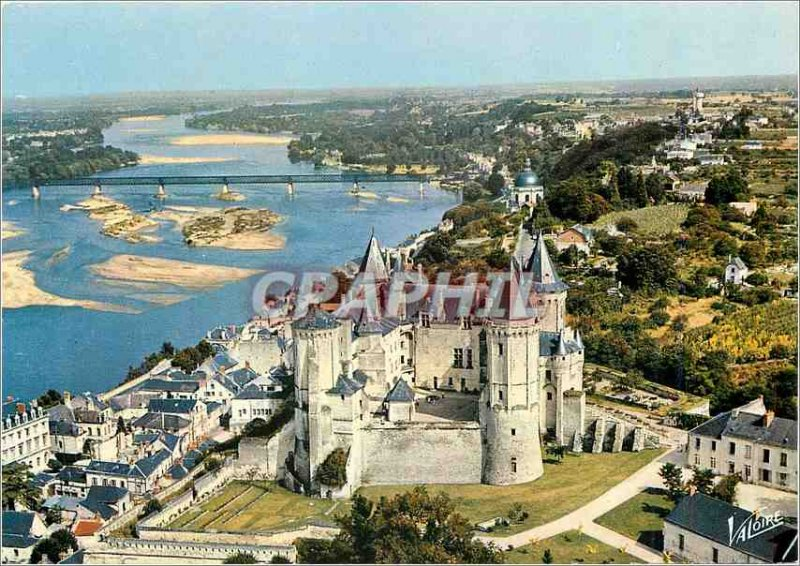 Postcard Modern Saumur Maine et Loire The castle and the Loire Aerial view