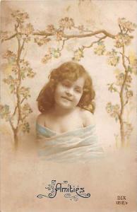 7273 Amities, A Little Girl