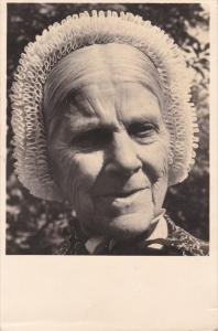 RP: Woman portrait , LOOSDRECHT , Oud Loosdrechtsche Tooi , Netherlands , PU-...