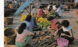 Thailand Bangkok Wat Sai Market Scene sk4160
