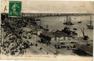 CPA BORDEAUX-Les Quais vue prise de la Douane (177024)