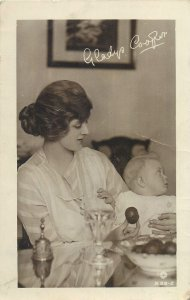 Postcard actress Gladys Cooper signed