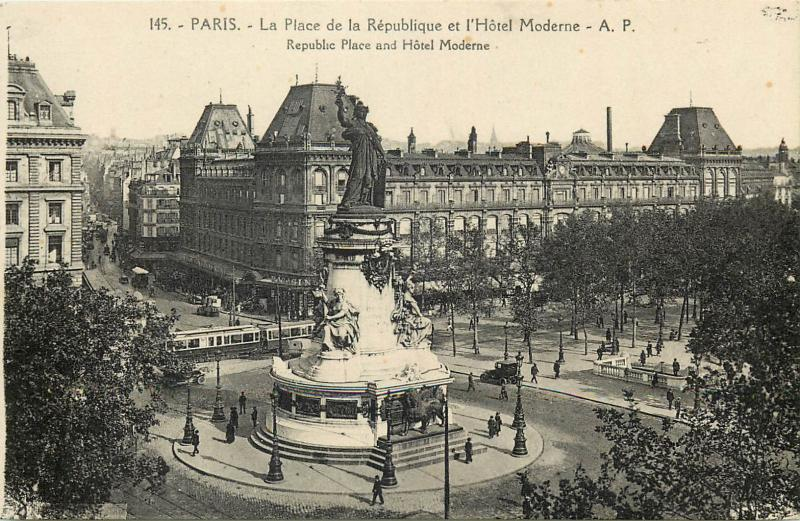 CPA France Paris Republic Place hotel Moderne tram