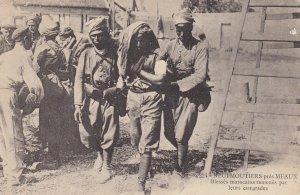 War 1914-18 ; NEUFMOUTIERS pres MEAUX , Blesses marocains ramenes par leurs c...