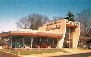 Wynnewood PA Raymond P. Scott Oldsmobile-Rambler Dealership Postcard