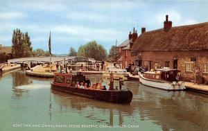 Grand Union Canal, Stoke Bruerne, Boat Inn and Canal Basin