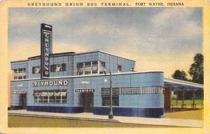 Fort Wayne Indiana 1943 Linen Postcard Greyhound Union Bus Terminal Station