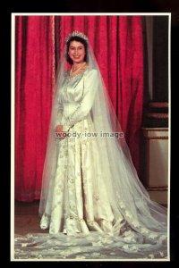 r617 - HRH Princess Elizabeth poses in her Wedding Dress - No.5 - postcard