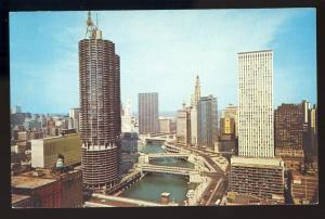 Chicago,Illinois/IL Postcard, Chicago River & Skyline