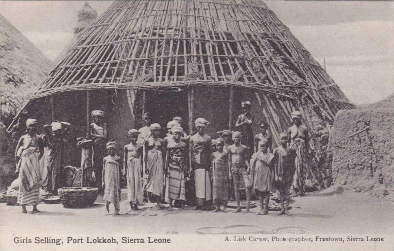 Topless Girls Selling Port Lokkoh, Sierra Leone, Africa, 1910-1920s