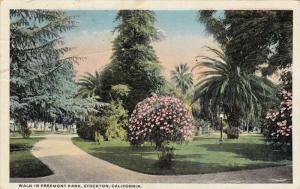 Walk In Freemont Park, STOCKTON, California, 1910-1920s