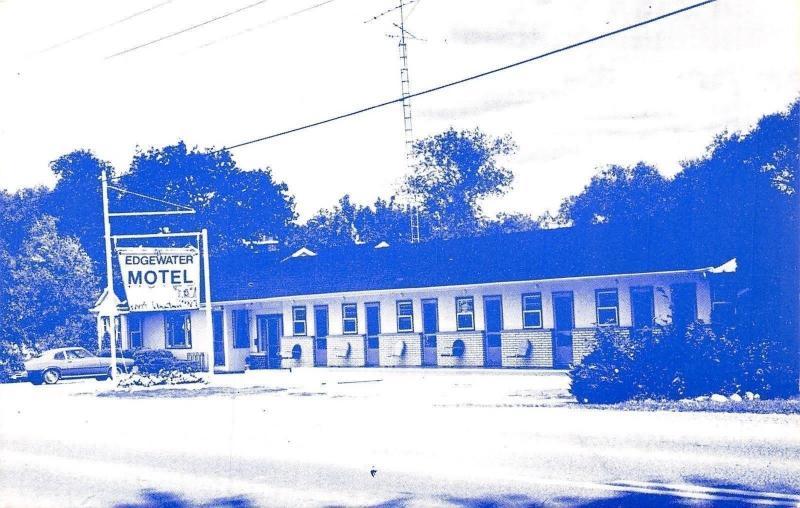 Napanee Ontario Canada~Edgewater Motel Close Up~TV Antenna~1960s Car~Postcard