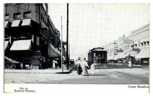 1909 Broadway & NP Ave, Fargo, ND Postcard *5E4