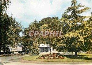 Postcard Modern Saumur (M and L) Place Verdun