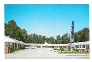 Williamsburg VA Route 60 Colonial Motel Vintage Postcard