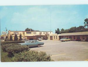 Unused Pre-1980 OLD CARS & SIESTA MOTEL Iowa City Iowa IA M0454