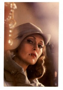 Faye Dunaway        (scratches)