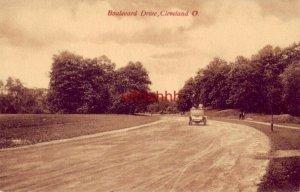 BOULEVARD DRIVE CLEVELAND, OH antique auto and pedestrians