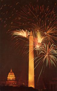 DC - Washington. Fireworks, Washington Monument, U.S. Capitol