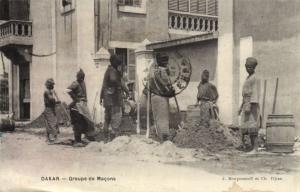 CPA Sénégal Afrique Dakar - Groupe de Macons (68170)