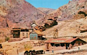 CALICO GHOST TOWN CA-BOTTLE HOUSE-HANKS HOTEL-MAGGIE SILVER MINE-1960s POSTCARD