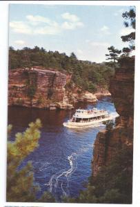 Wisconsin Dells High Rock Tour Boat Romance Cliff Vintage Postcard