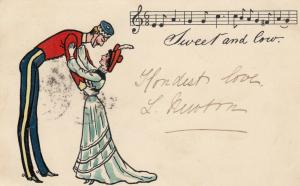 Tall man and short woman embracing, Sweet and low musical notes, PU-1908
