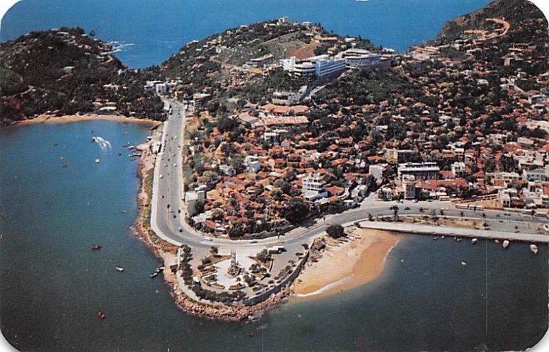 Aerial View, Pacific Ocean Acapulco Mexico Tarjeta Postal 1957