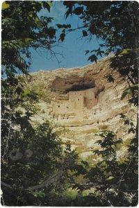 US Arizona - Montezuma Castle Nat. Monument.  Mint.  *creases.