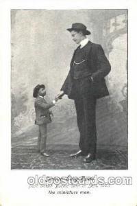 Smaun Sing Hpoo, Smallest Person, Midget, Midgets, Dwarf,  Circus Postcard Po...