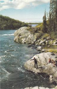 Yellowknife  , NWT , Canada , 40-60s ; Fishing Yellowknife Rapids