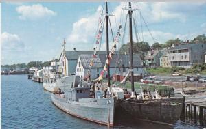 Fisheries Museum of the Atlantic , LUNENBURG , Nova Scotia , 50-60s