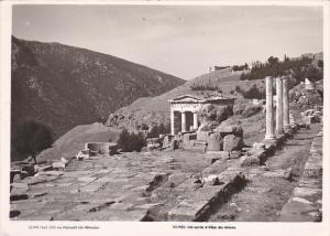 Greece Delphes Voie sacre et tresor des Athenies