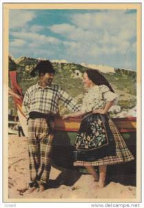 Couple , NAZARE , Portugal , 50-70s