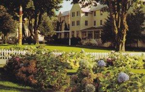 HARRISON HOT SPRINGS , B.C. , Canada , 50-60s ; Hotel