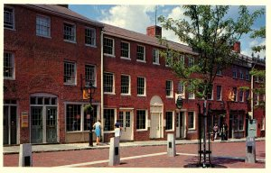 MA - Newburyport. Inn Street Shopping Mall