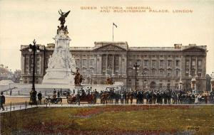 13633  England London   Queen Victoria Memorial and Buckingham Palace